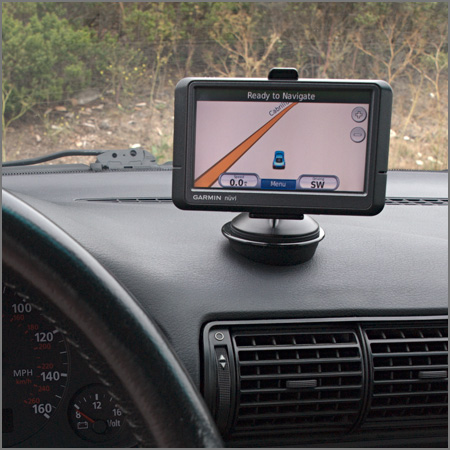 610565567 moreover Yamaha MT 10 16 Quick Lock GPS Mount besides Gps Mount also Best Way To Mount Gps moreover Tomtom Rider 2 Gps. on tomtom gps mounts for cars